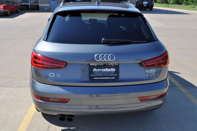 2016 Audi Q3 Premium Plus Bettendorf, Iowa 17