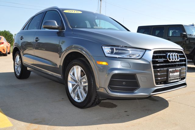 2016 Audi Q3 Premium Plus Bettendorf, Iowa 23