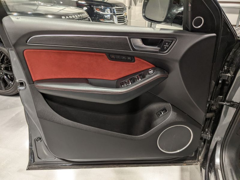 2016 Audi SQ5 Prestige  Lake Forest IL  Executive Motor Carz  in Lake Forest, IL