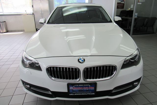 2016 BMW 528i xDrive W/ NAVIGATION SYSTEM/ BACK UP CAM Chicago, Illinois 1