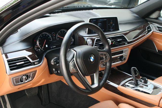2016 BMW 740i Houston, Texas 13
