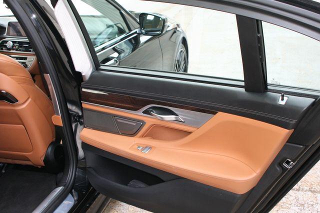 2016 BMW 740i Houston, Texas 28