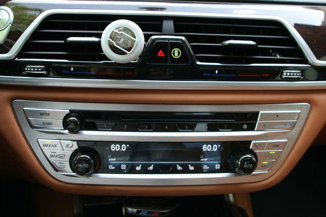 2016 BMW 740i Houston, Texas 32