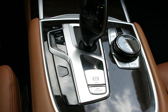 2016 BMW 740i Houston, Texas 33