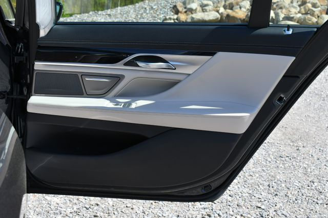 2016 BMW 750i xDrive Naugatuck, Connecticut 13