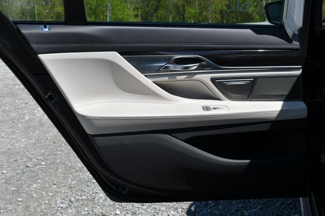 2016 BMW 750i xDrive Naugatuck, Connecticut 14
