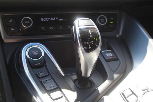 2016 BMW i8 Houston, Texas 31
