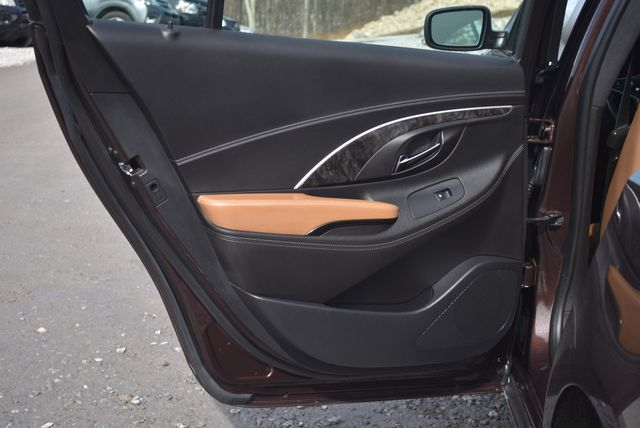 2016 Buick LaCrosse Premium II Naugatuck, Connecticut 12