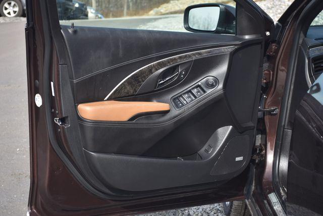2016 Buick LaCrosse Premium II Naugatuck, Connecticut 18