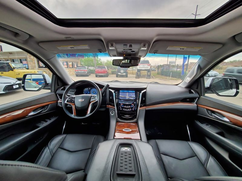 2016 Cadillac Escalade Premium Collection  Brownsville TX  English Motors  in Brownsville, TX