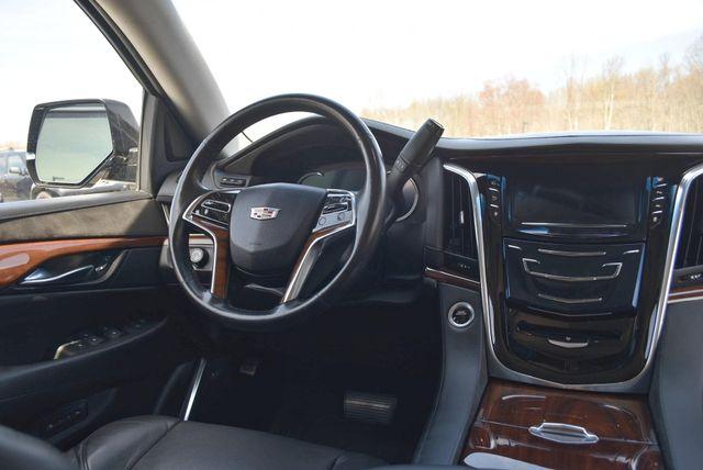 2016 Cadillac Escalade ESV Luxury Collection Naugatuck, Connecticut 17