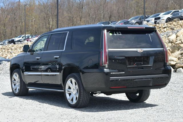 2016 Cadillac Escalade ESV Luxury Collection Naugatuck, Connecticut 2