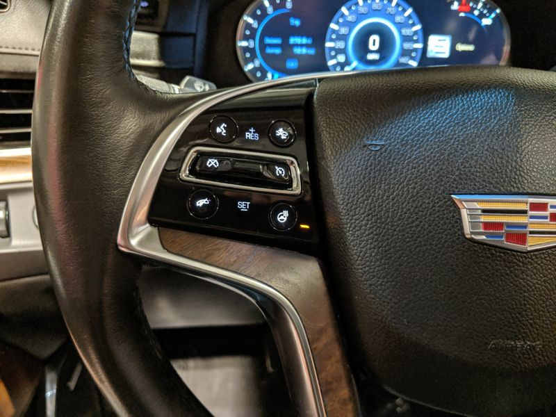 2016 Cadillac Escalade Premium  Lake Forest IL  Executive Motor Carz  in Lake Forest, IL