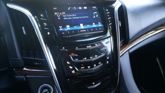 2016 Cadillac Escalade Luxury Collection in Valley Park, Missouri 63088