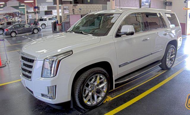 2016 Cadillac Escalade Luxury Collection in Valley Park, Missouri 63088