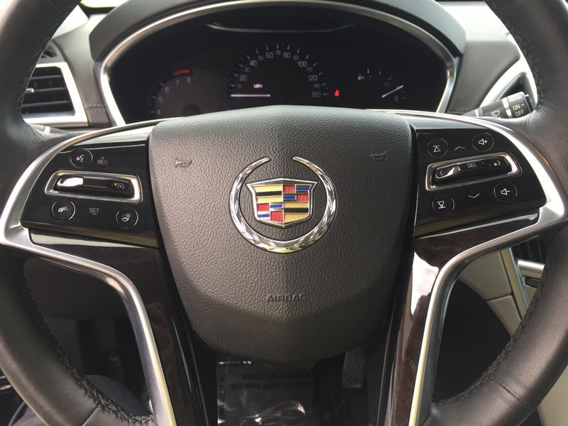 2016 Cadillac SRX Luxury Collection  Brownsville TX  English Motors  in Brownsville, TX