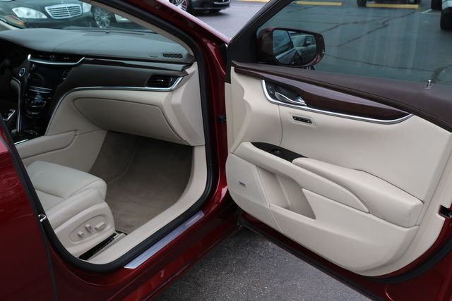 2016 Cadillac XTS Luxury Collection PANO ROOF NAVIGATION in Memphis, Tennessee 38115