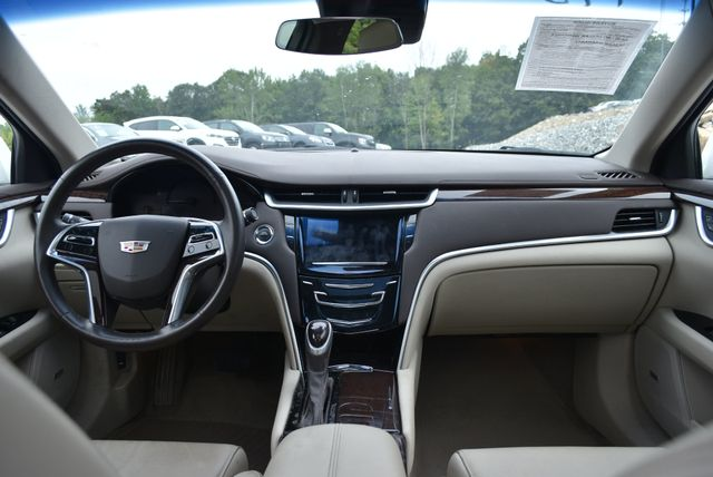 2016 Cadillac XTS Luxury Collection Naugatuck, Connecticut 11
