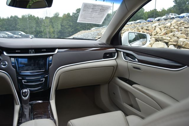 2016 Cadillac XTS Luxury Collection Naugatuck, Connecticut 12