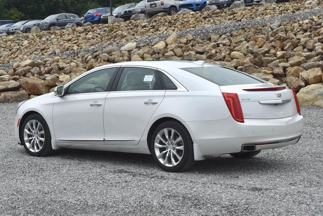2016 Cadillac XTS Luxury Collection Naugatuck, Connecticut 2