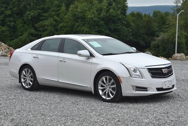 2016 Cadillac XTS Luxury Collection Naugatuck, Connecticut 6
