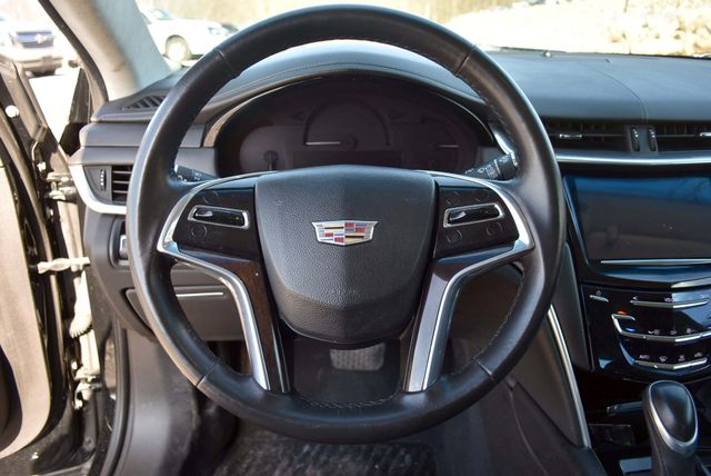 2016 Cadillac XTS Professional Livery Package Naugatuck, Connecticut 20