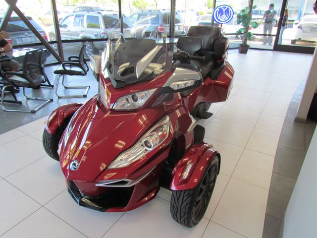 2016 Can-Am Spyder Roadster RTS