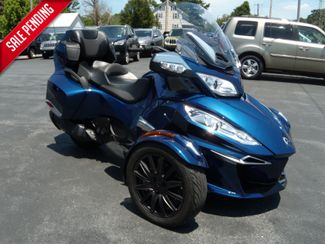 2016 Can-Am™ Spyder RT-S SE6 in Ephrata, PA 17522