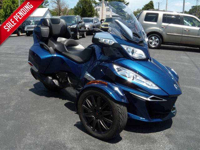 2016 Can-Am™ Spyder RT-S SE6