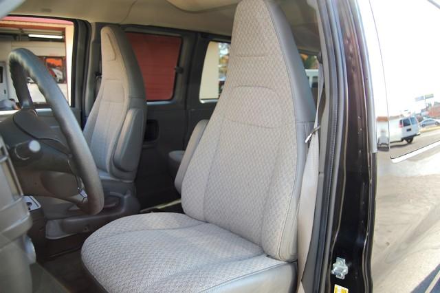 2016 Chevrolet 15 Pass LT Charlotte, North Carolina 5