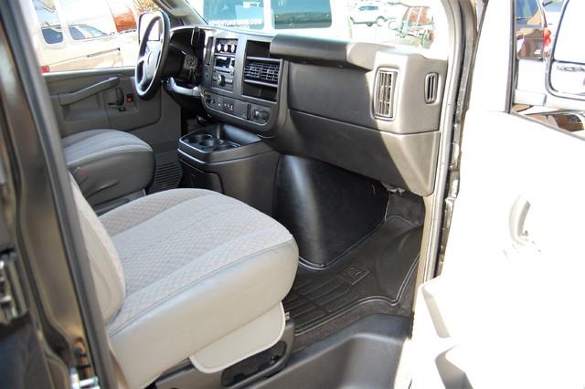 2016 Chevrolet 15 Pass LT Charlotte, North Carolina 6