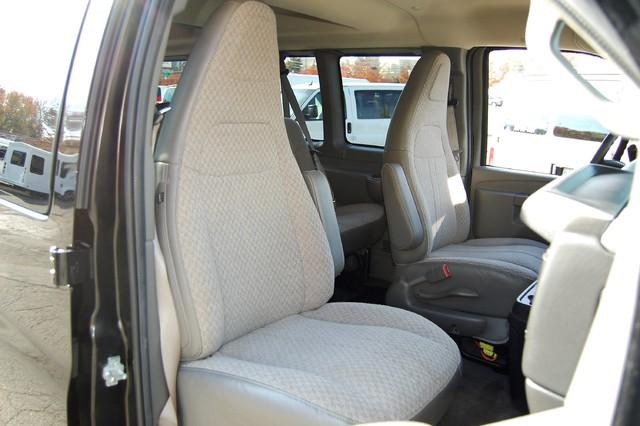 2016 Chevrolet 15 Pass LT Charlotte, North Carolina 7