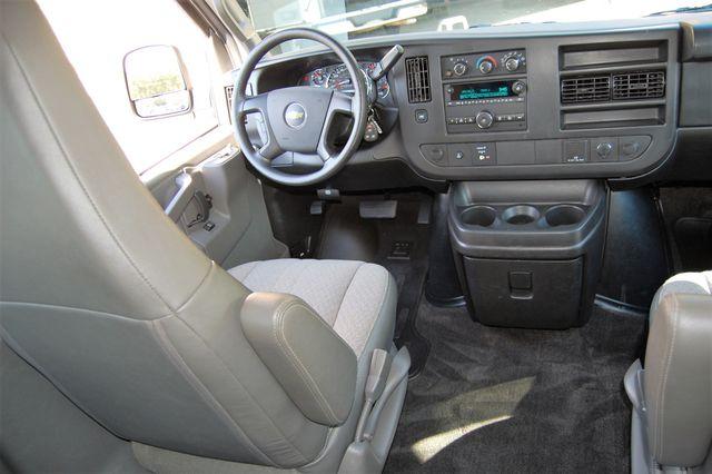 2016 Chevrolet 15 Pass LT Charlotte, North Carolina 14