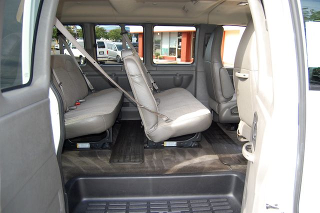 2016 Chevrolet 15 Pass LT Charlotte, North Carolina 8