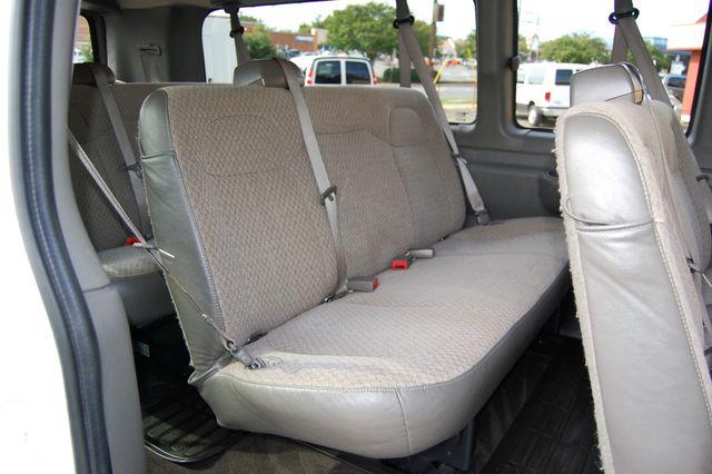 2016 Chevrolet 15 Pass LT Charlotte, North Carolina 10