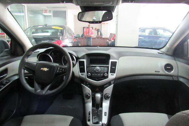 2016 Chevrolet Cruze Limited LS Chicago, Illinois 9