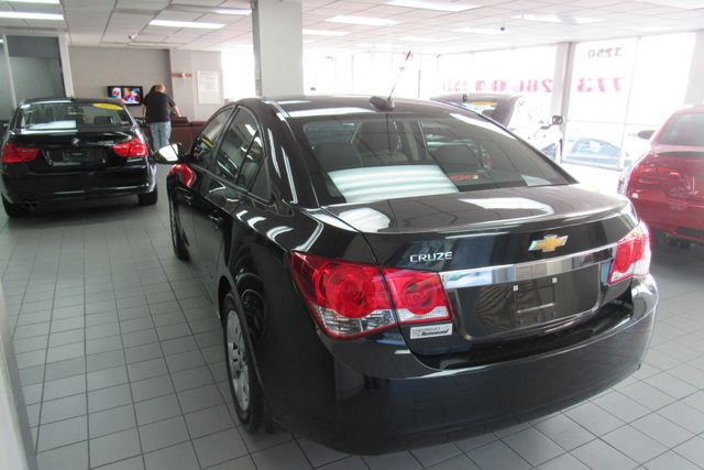 2016 Chevrolet Cruze Limited LS Chicago, Illinois 4