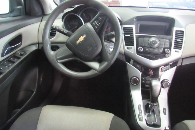 2016 Chevrolet Cruze Limited LS Chicago, Illinois 8
