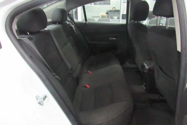 2016 Chevrolet Cruze Limited LT Chicago, Illinois 9