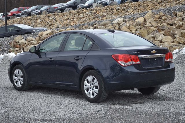 2016 Chevrolet Cruze Limited LS Naugatuck, Connecticut 2