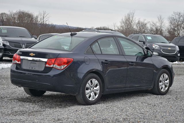 2016 Chevrolet Cruze Limited LS Naugatuck, Connecticut 4