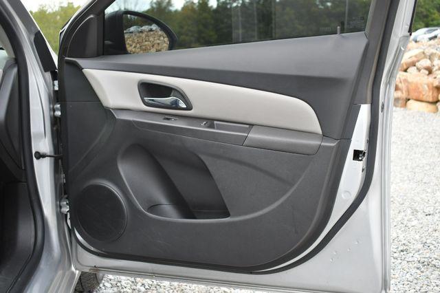 2016 Chevrolet Cruze Limited LS Naugatuck, Connecticut 9