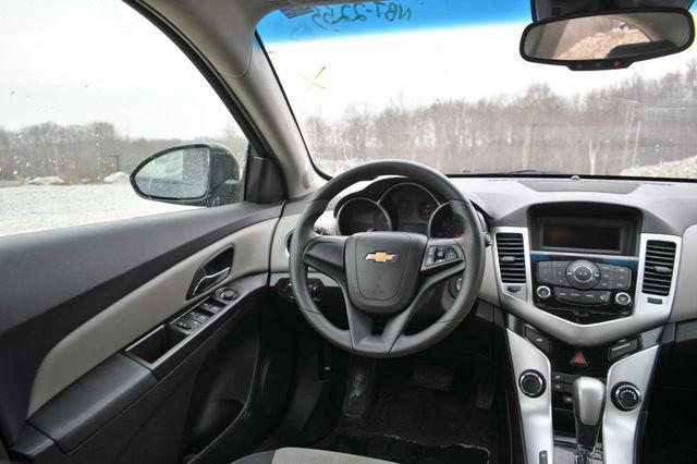 2016 Chevrolet Cruze Limited LS Naugatuck, Connecticut 13