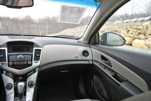 2016 Chevrolet Cruze Limited LS Naugatuck, Connecticut 15