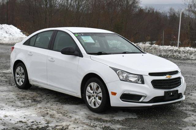 2016 Chevrolet Cruze Limited LS Naugatuck, Connecticut 8