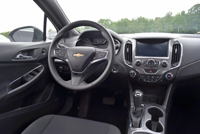 2016 Chevrolet Cruze LT Naugatuck, Connecticut 4