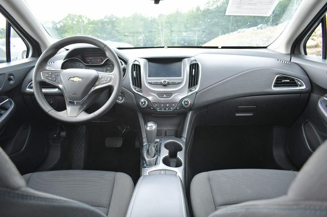 2016 Chevrolet Cruze LT Naugatuck, Connecticut 6