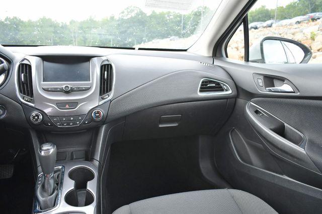 2016 Chevrolet Cruze LT Naugatuck, Connecticut 7