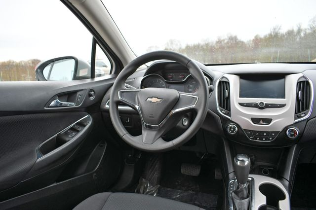 2016 Chevrolet Cruze LS Naugatuck, Connecticut 13