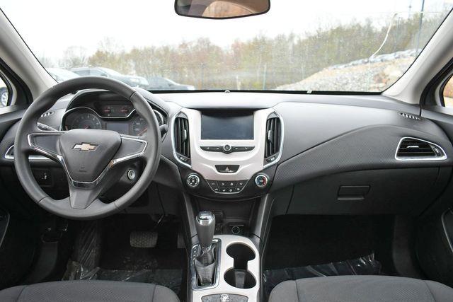 2016 Chevrolet Cruze LS Naugatuck, Connecticut 14